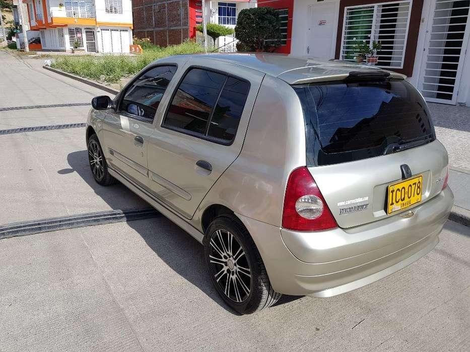 Renault Clio  2009 - 16864 km