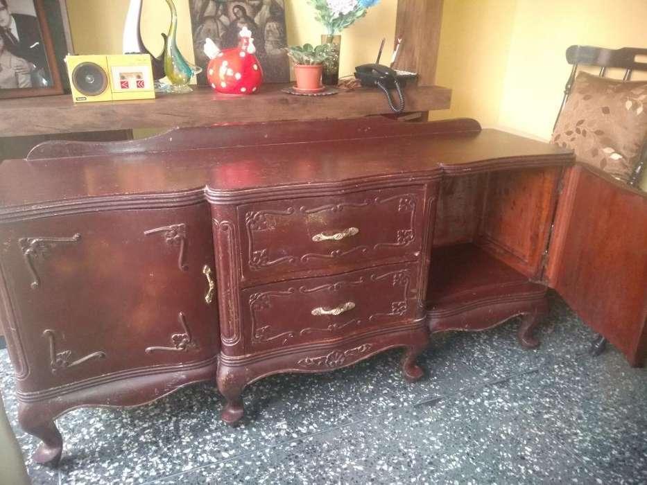Mueble Antiguo de Cedro