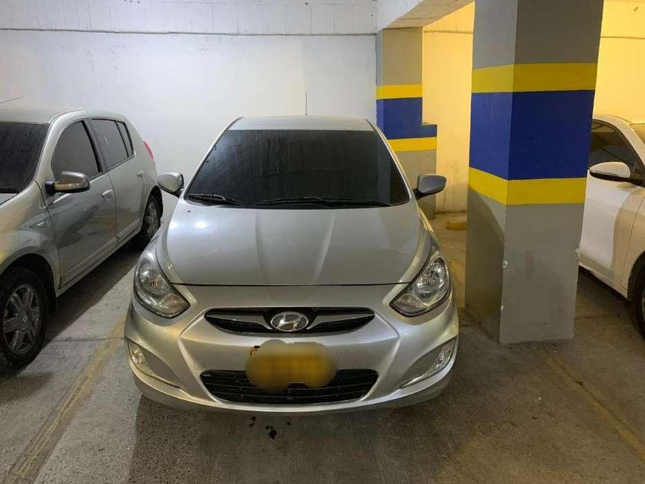 Hyundai i25 2012 - 80000 km