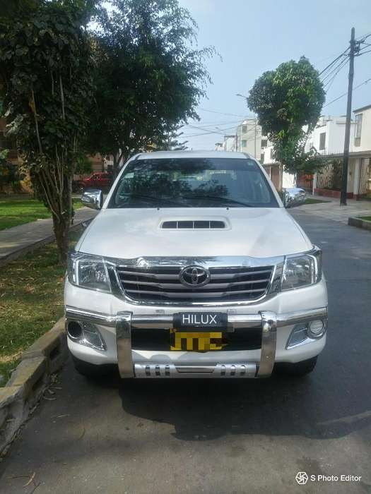 Toyota Hilux 2015 - 65000 km