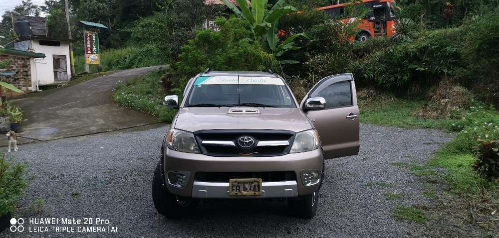 Toyota Hilux 2008 - 0 km
