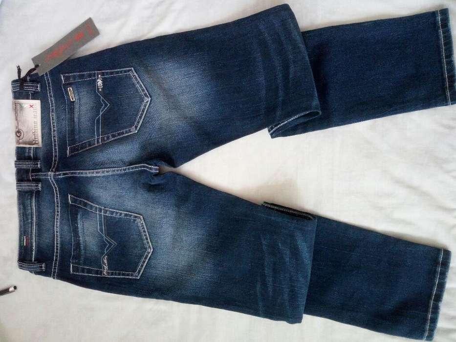 Pantalones Diesel.