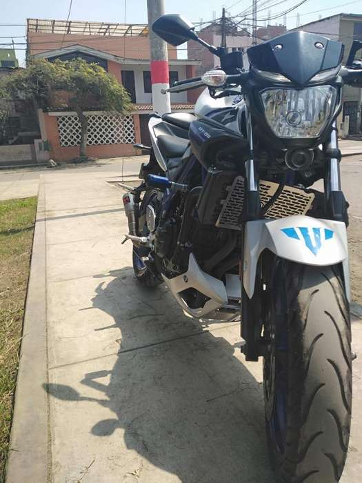 <strong>yamaha</strong> Mt 03 con Extras Y Cascos