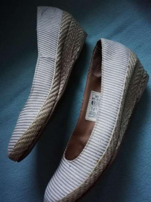 Zapato Taco Magnolia Color Beige a Rayas