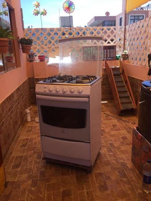Vendo Cocina Casi Nueva Llamar 953740018