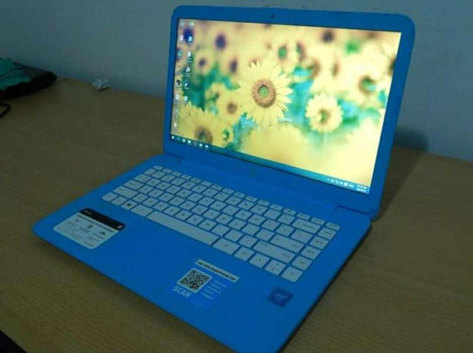 Laptop Hp Stream con Cargador