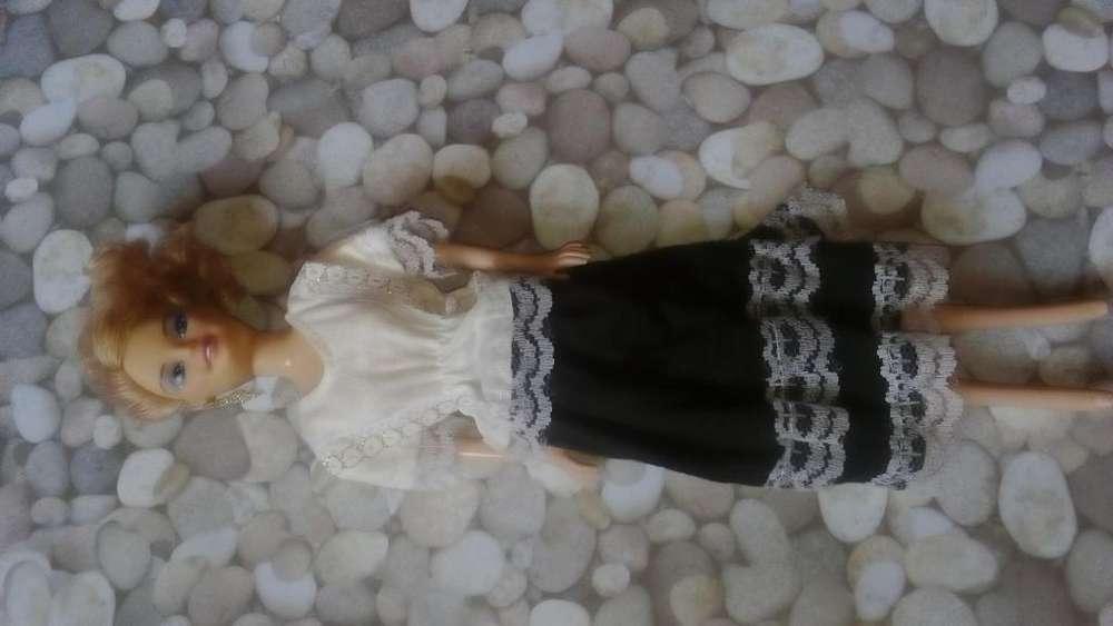 muñeca con disfraz de marinera