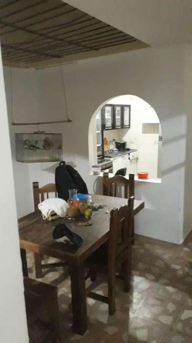 Vendo Casa en Castilla (primer Piso)