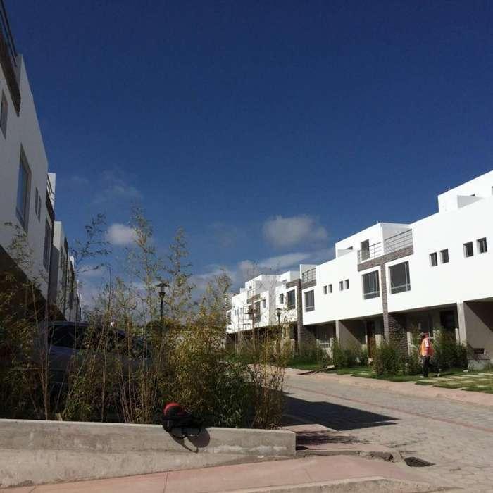 Casa en Venta al norte de Quito, Calderon, Llano Grande