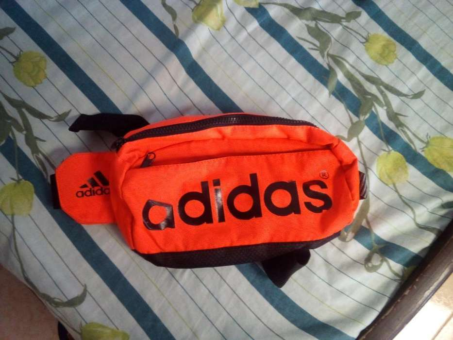 Canguro Adidas