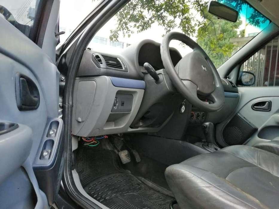 Renault Clio  2011 - 98000 km