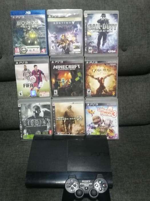 PS3, control original, 9 películas, todo en buen estado.