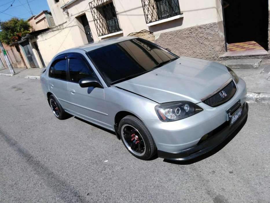 Honda Civic 2003 - 8 km