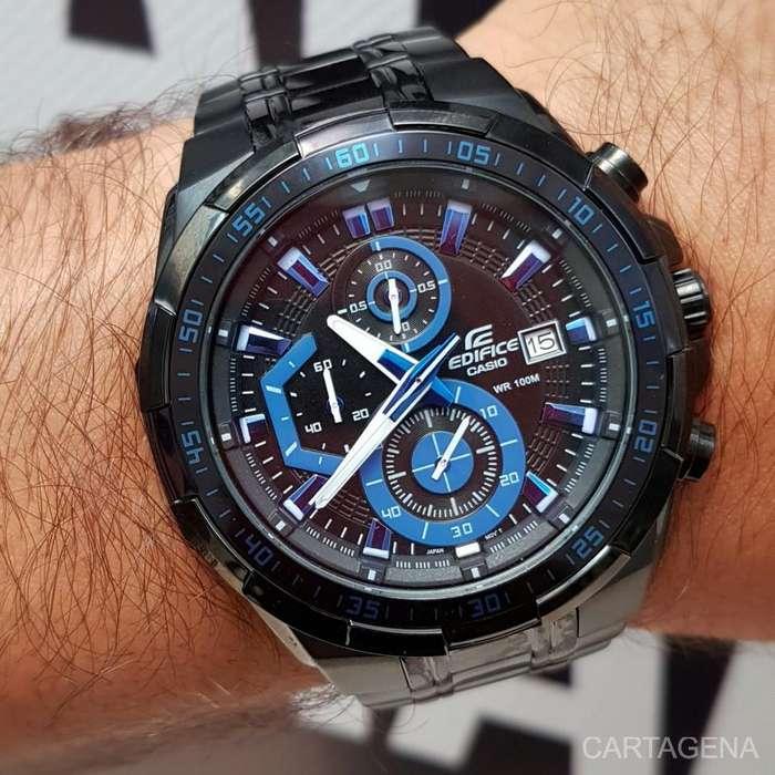 Se vende Casio con los cronografos azules, calendario en color negro para hombre
