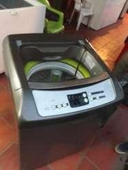 Lavadora de 13 K , 1 Mes de Uso