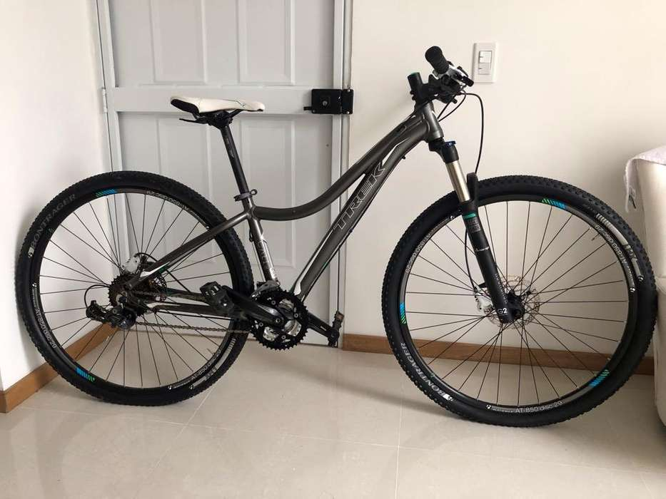 Bicicleta Trek dama rockshox