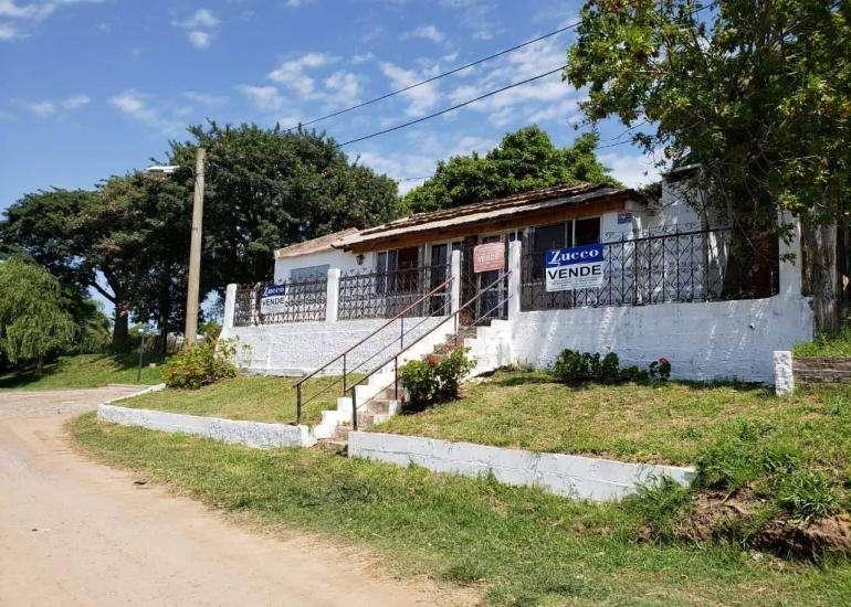 En Venta Casa en Coronda - Inmejorable vista al rÃo - Hipólito Irigoyen al 1100