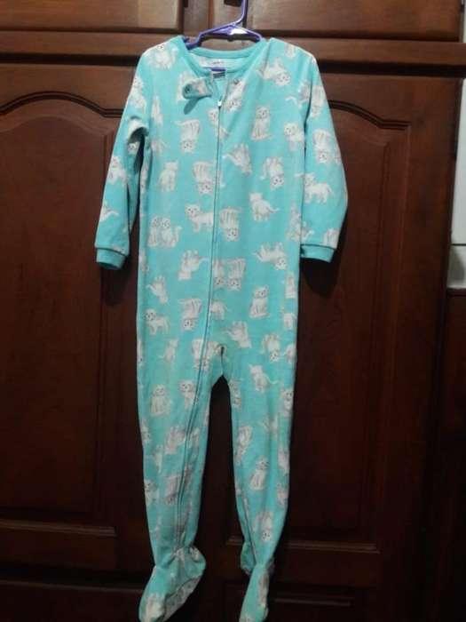 Pijama Marca Carters Talle 5