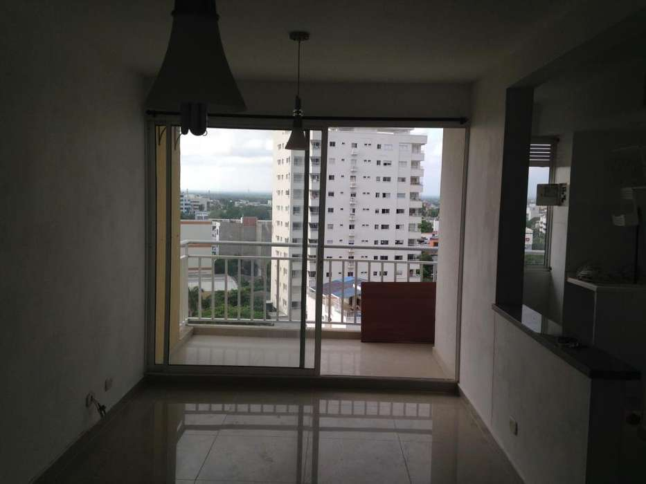Se vende apto 75 M2 , Cartagena, CJR Plazuela Mayor , 3HB , 2BÑ , balcon, piso 12 .