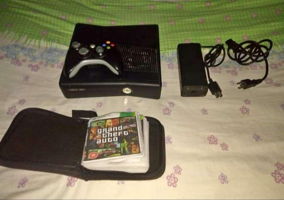 Vendo Xbox 360 Slim con 50 Juegos en Cd