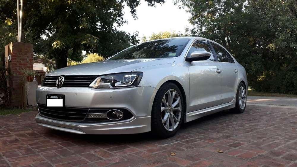 Volkswagen Vento 2012 - 34000 km