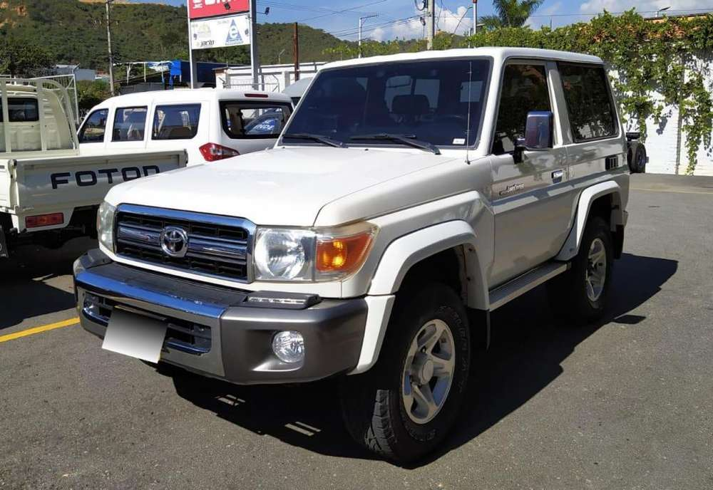 Toyota Land Cruiser 2012 - 83000 km