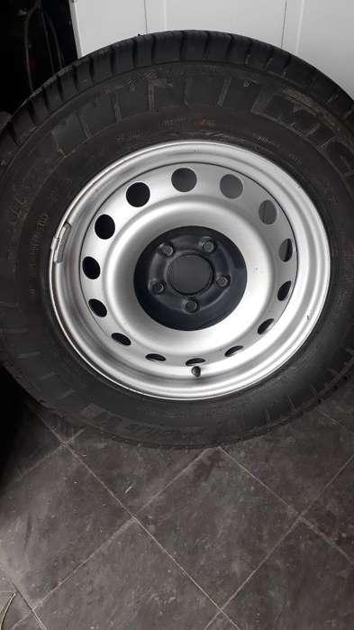 <strong>neumatico</strong> Michelin Completa 215/65 R 15