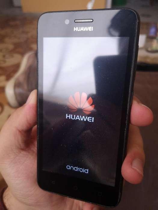 Celular Básico Huawei con Detalle, Libre