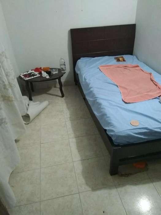 Arriendo habitaci persona sola cerca al exito de niquia inf 3113767125