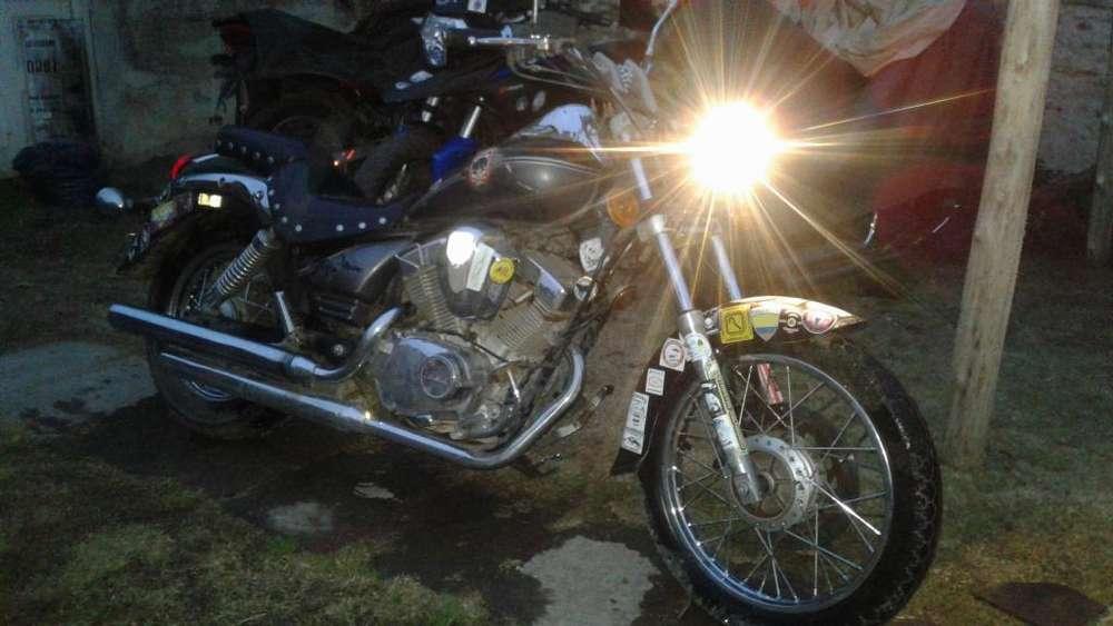 PATAGONIA ZANELLA 250 2010