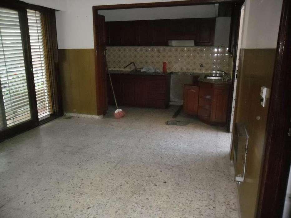 Casa 5 Ambientes con cochera, Dueño alquila