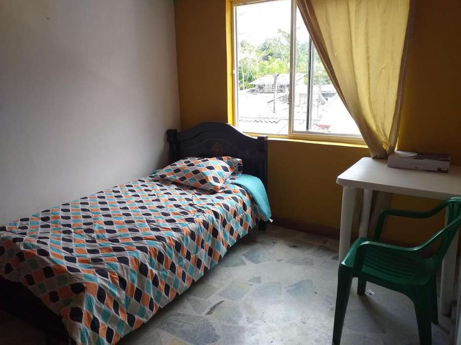 Habitación con baño privado norte de Armenia