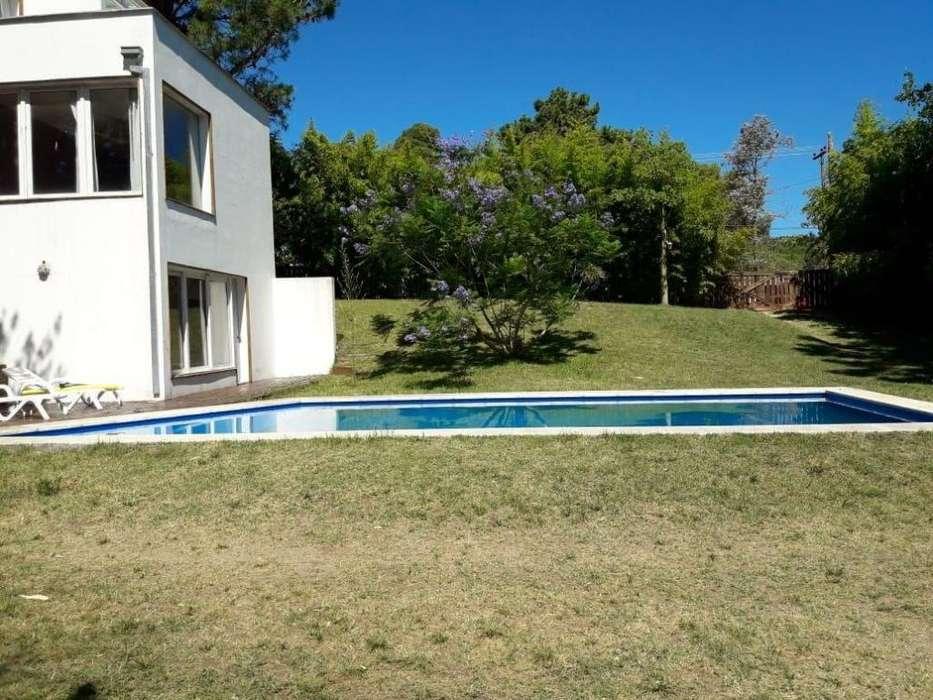 # Venta Importante Casa 5 amb. c/piscina zona golf