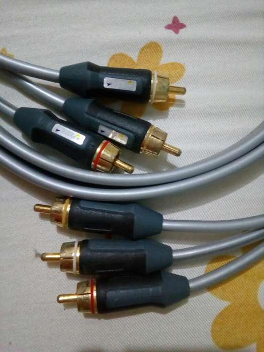 Cable de Audio Y Video Monster