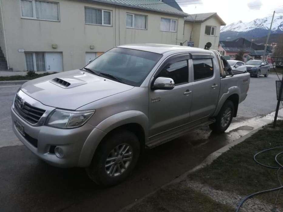 Toyota Hilux 2013 - 95000 km