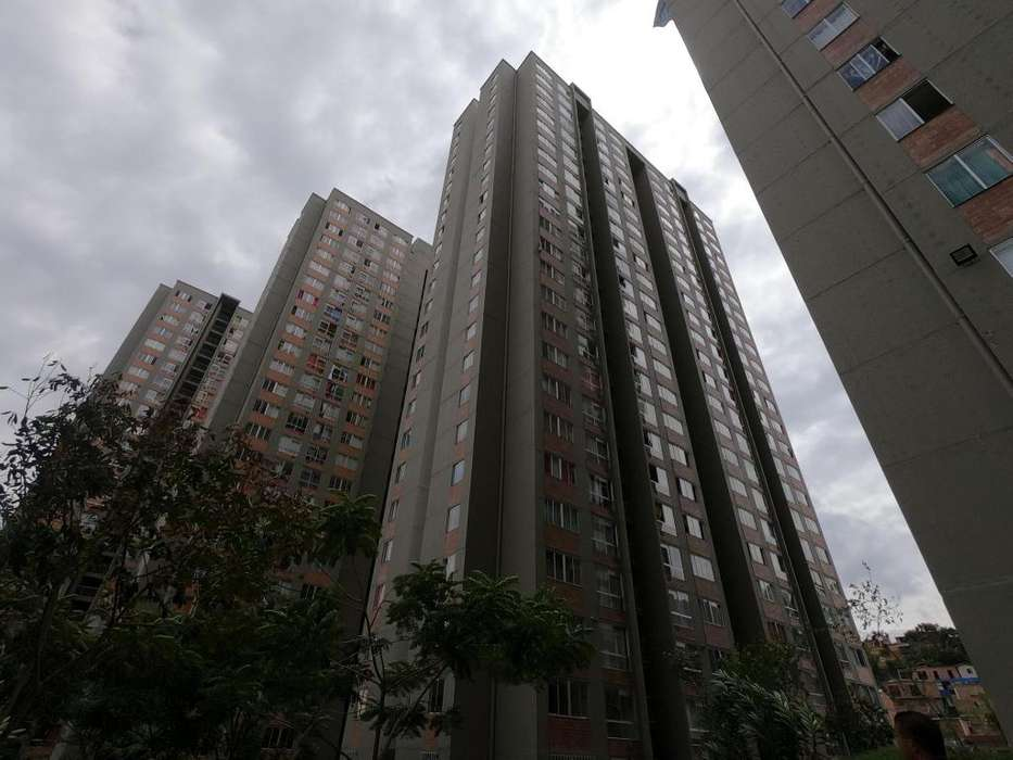 Vende apartamento con parqueadero en Bello