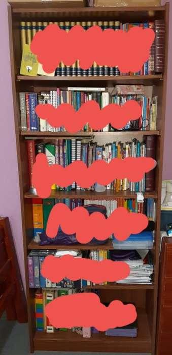 Vendo Biblioteca sin Los Libros.