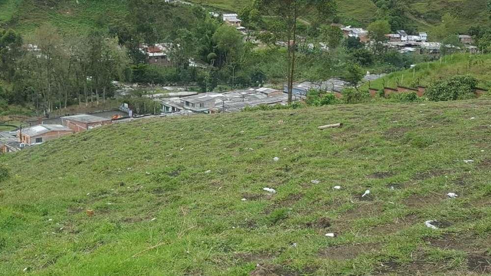 VENDO LOTE EN SANTA ROSA DE CABAL A 4 CUADRAS DEL PARQUE PRINCIPAL VIA A TERMALES