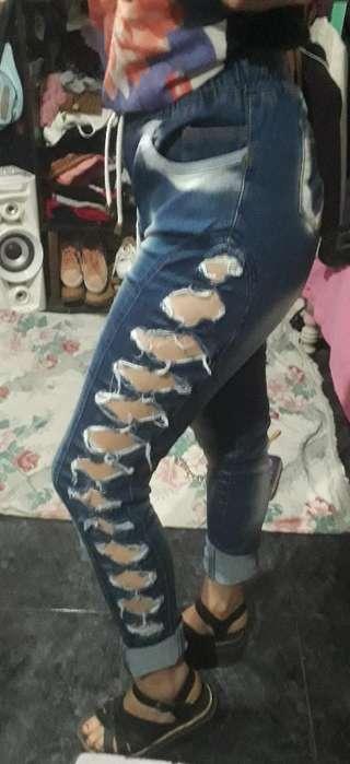 Jeans Moño Talle 42 Tiro Alto Elastizado