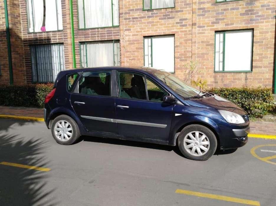 Renault Scenic  2010 - 2300 km