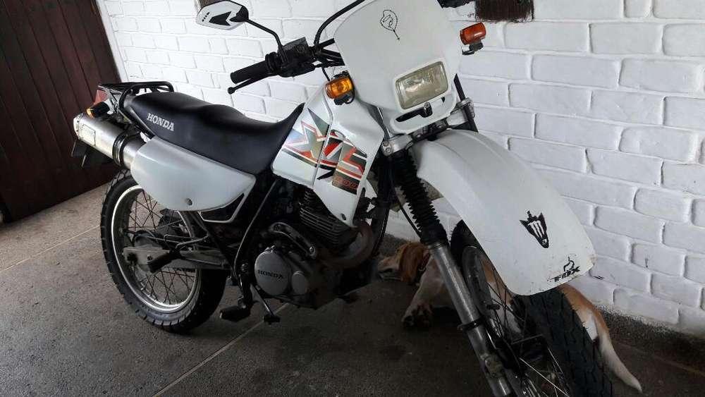 Vendo Moto Honda Xl200 en Buen Estado