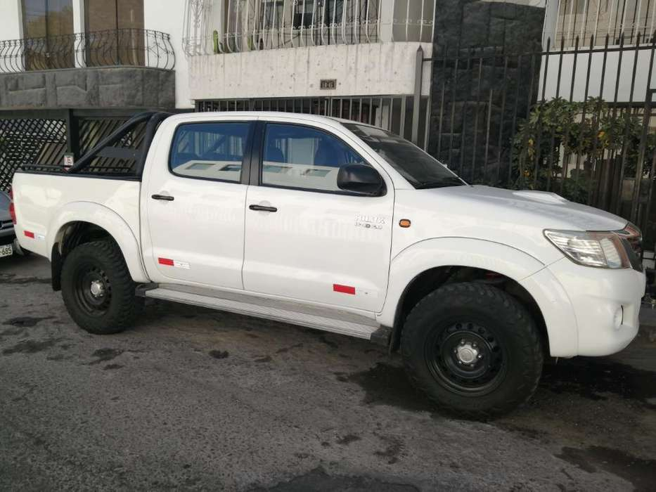 e05e790d2 Toyota Hilux 2013 - 100000 km. Toyota Hilux 2013 - 100000 km. Auto usado en  Arequipa