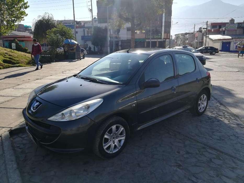 Peugeot 207 2011 - 118000 km