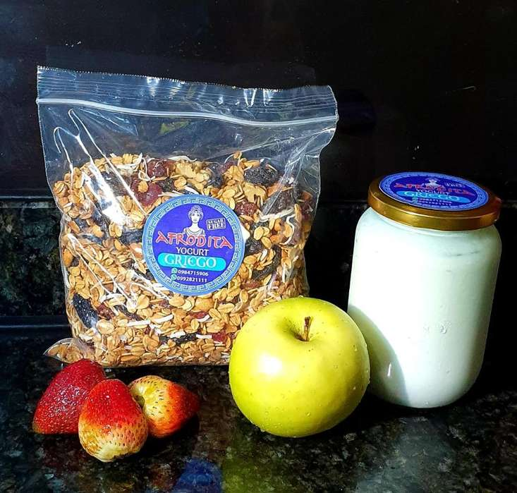 Yogurt Griego Y Granola