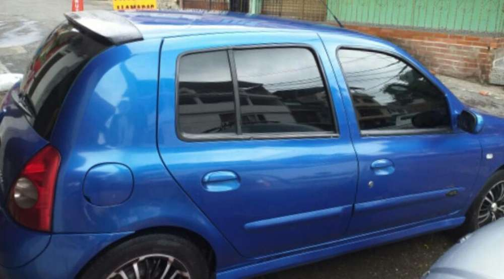 Renault Clio  2005 - 153000 km
