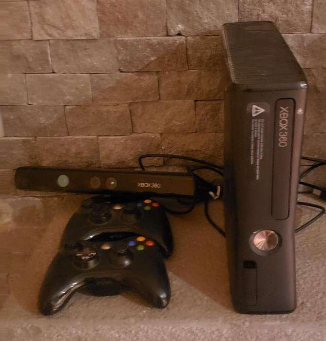 Xbox 360 con 16 Juegos Dos Controladores