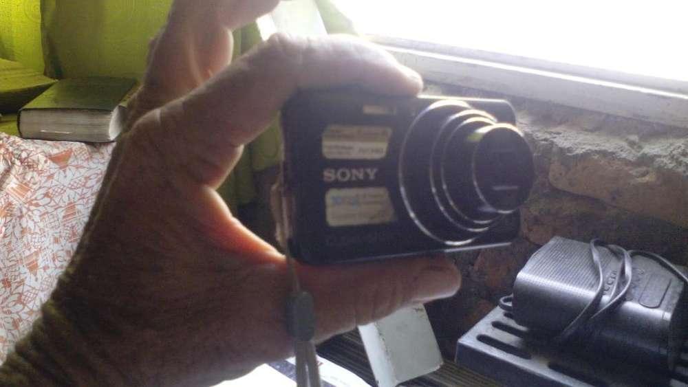 Vendo Camra Fotografica Sony 16 Megapics
