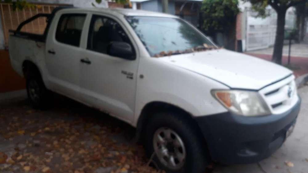 Toyota Hilux 2006 - 246000 km