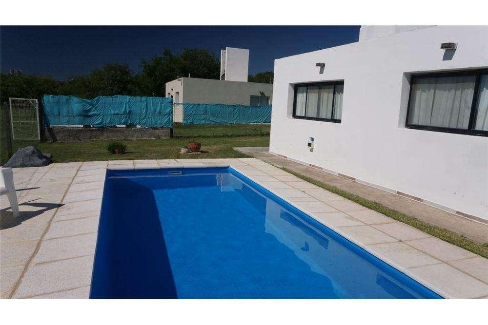 Venta Casa 3 dormitorios Las Cañitas con pileta