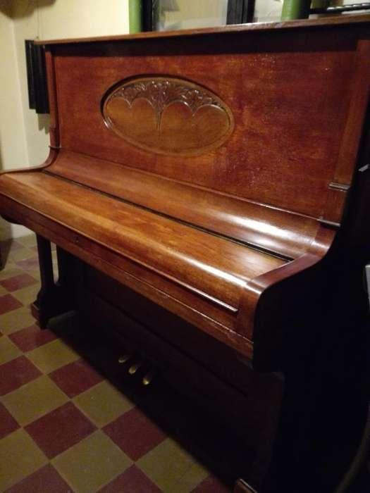 Piano Aleman en La Ciudad de Neuquen